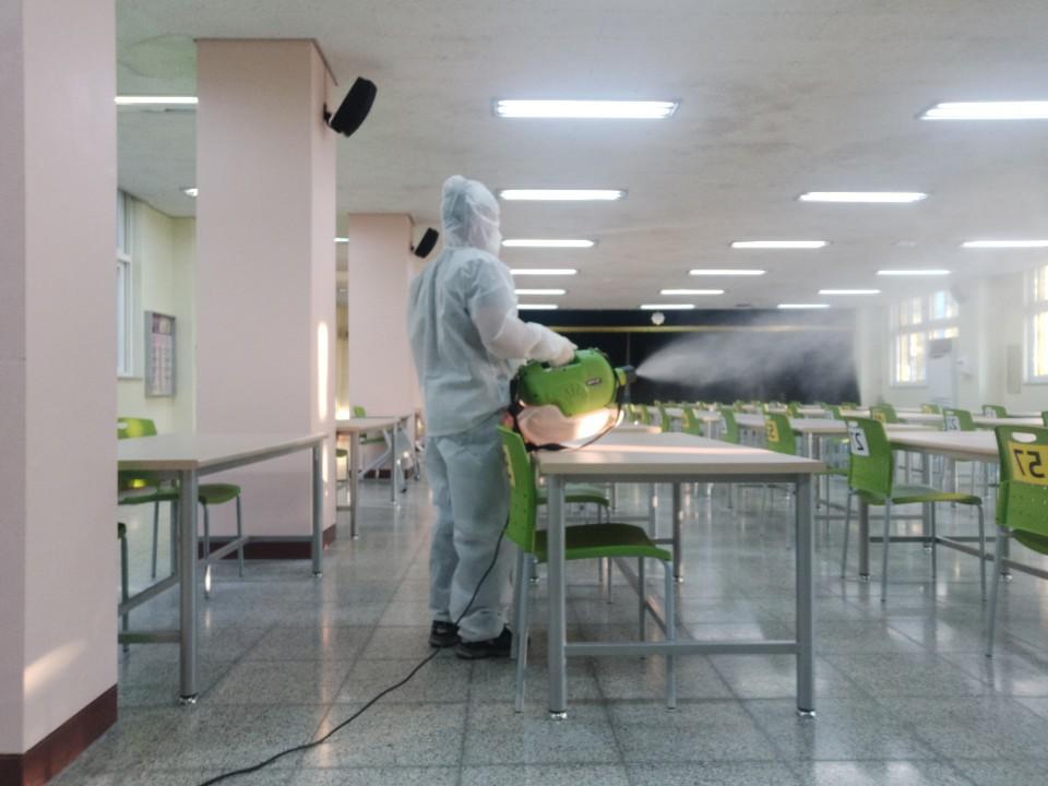 [일반] 코로나19감염예방특별방역실시(월2회) 학교시설전체실시의 첨부이미지 10