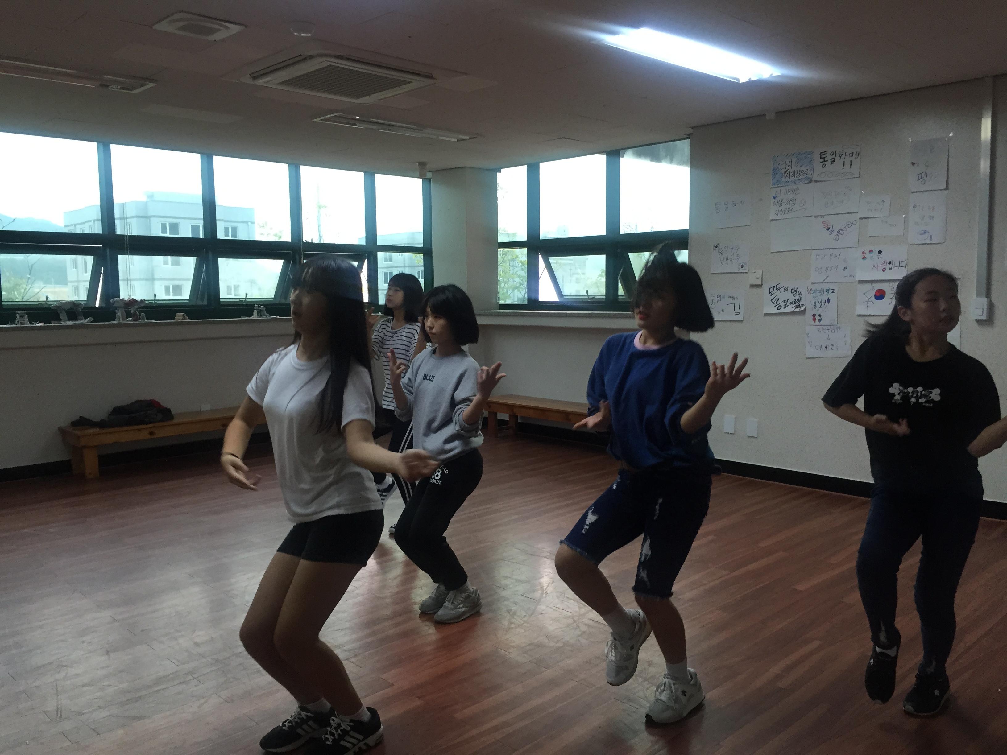 [일반] 1학년 댄스반 자율동아리 활동모습의 첨부이미지 6