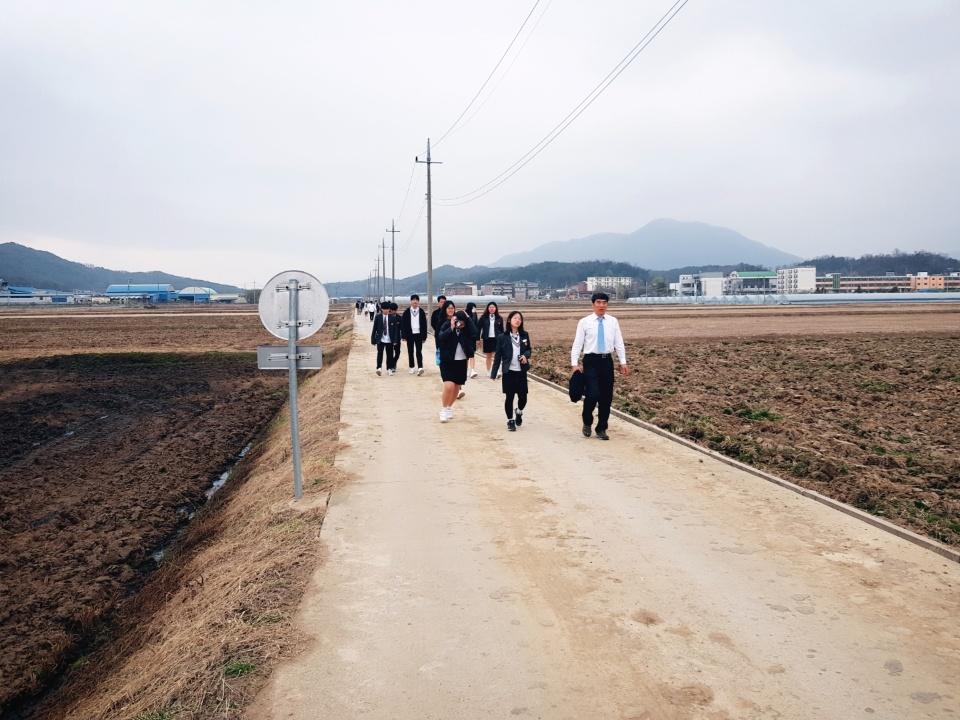 [일반] 2018 4월 산수유길 걷기 행사의 첨부이미지 2