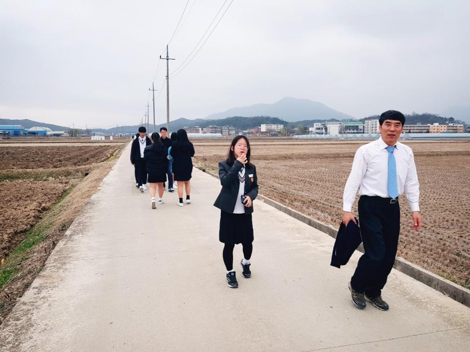 [일반] 2018 4월 산수유길 걷기 행사의 첨부이미지 3