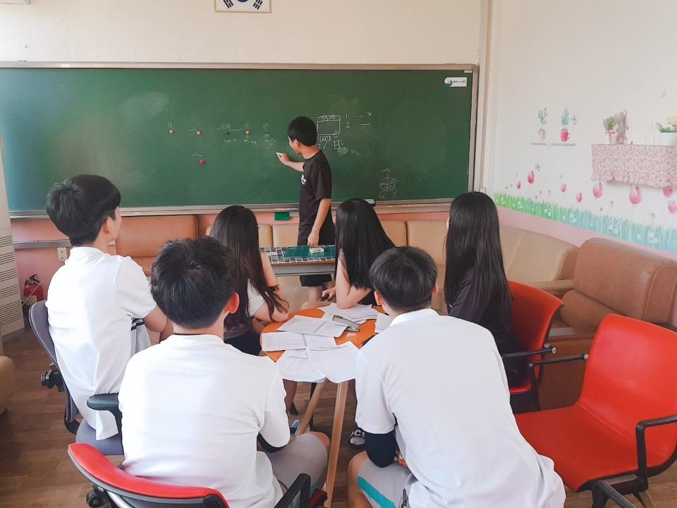 [일반] 학생자치회 리더십 캠프 회의의 첨부이미지 1