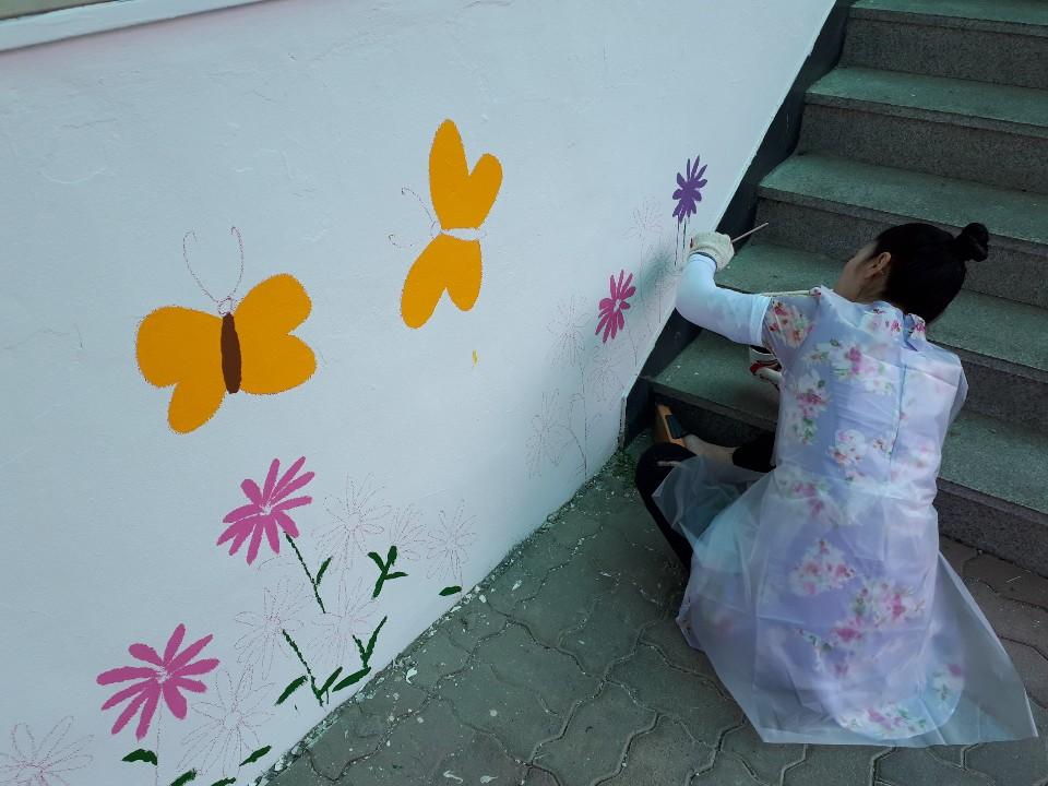 [일반] 2019 경기도 생명사랑 벽화그리기(자원봉사센터와 함께)의 첨부이미지 6