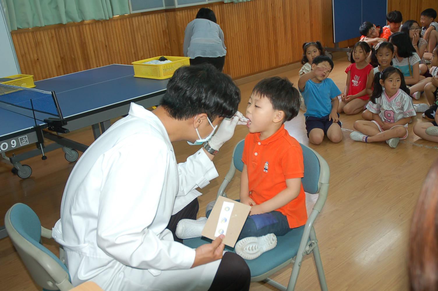 [일반] 불소이온도포 및 구강 위생관리 교육 실시의 첨부이미지 3