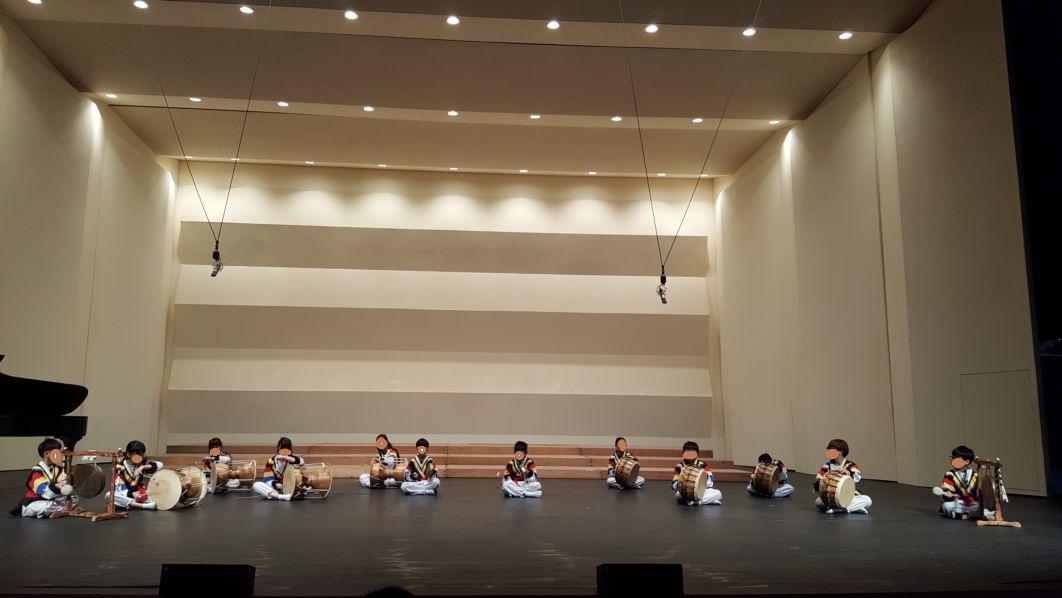[일반] 포천교육가족 문화예술동아리 발표회 사물놀이 공연의 첨부이미지 1