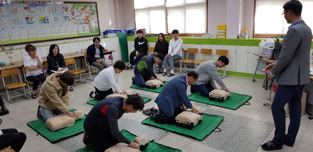 [일반] 2019 교직원 심폐소생술 교육(10.16)의 첨부이미지 5